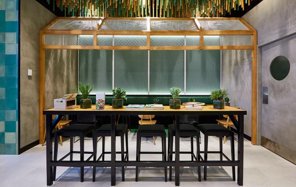 Sumo-Salad store design 5