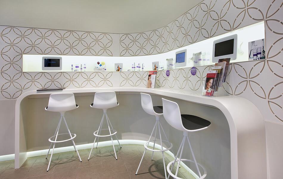 laserclinicsaus store design 1