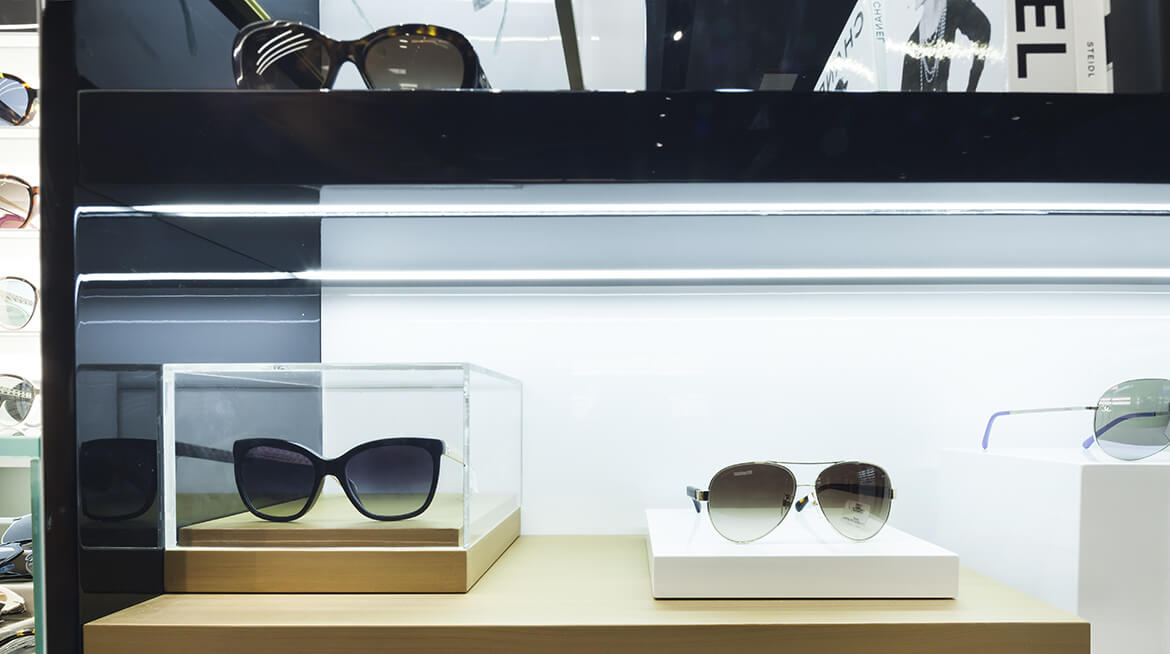 sunglass shop design 10