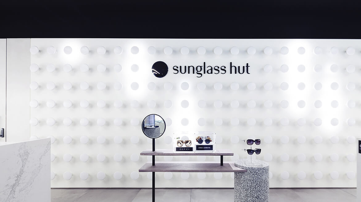 sunglass shop design 16
